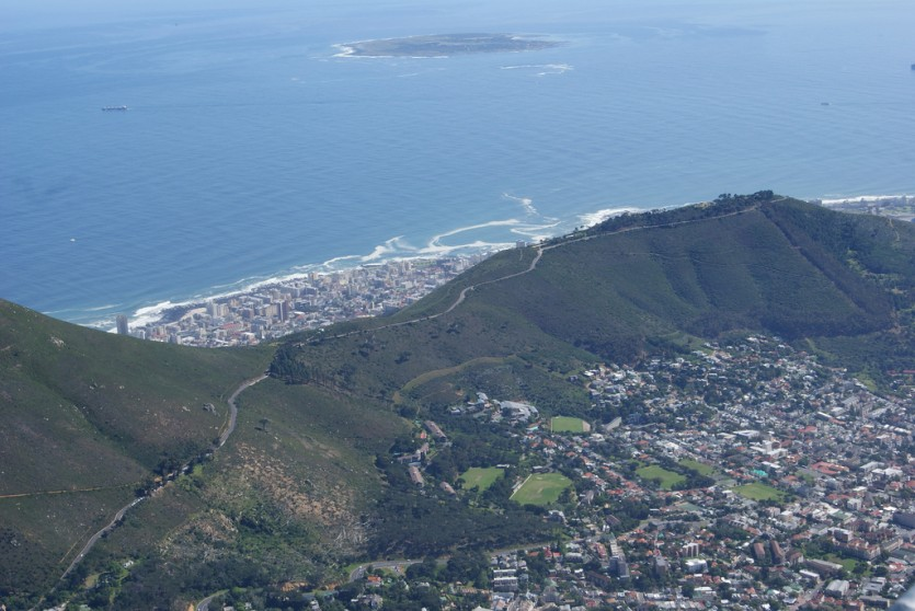 Table Mountain, Cape Town (Brent Newhall, Flickr)