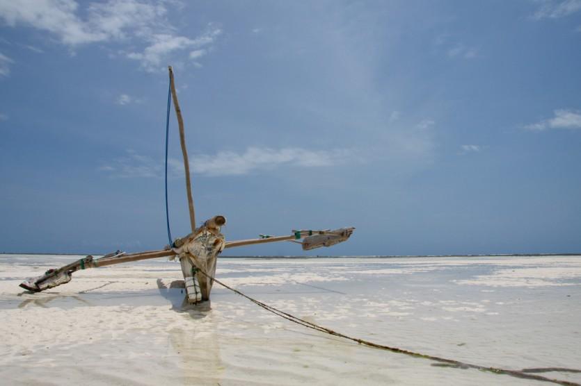 Low tide at Zanzibar (Mikel Hendriks, Flickr)